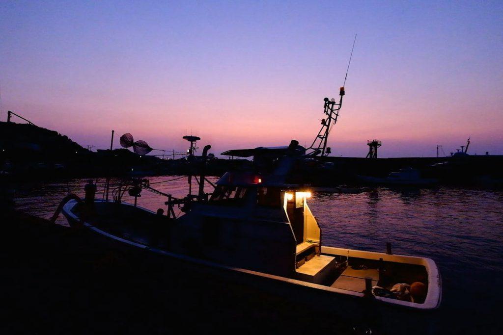 トビウオ漁船