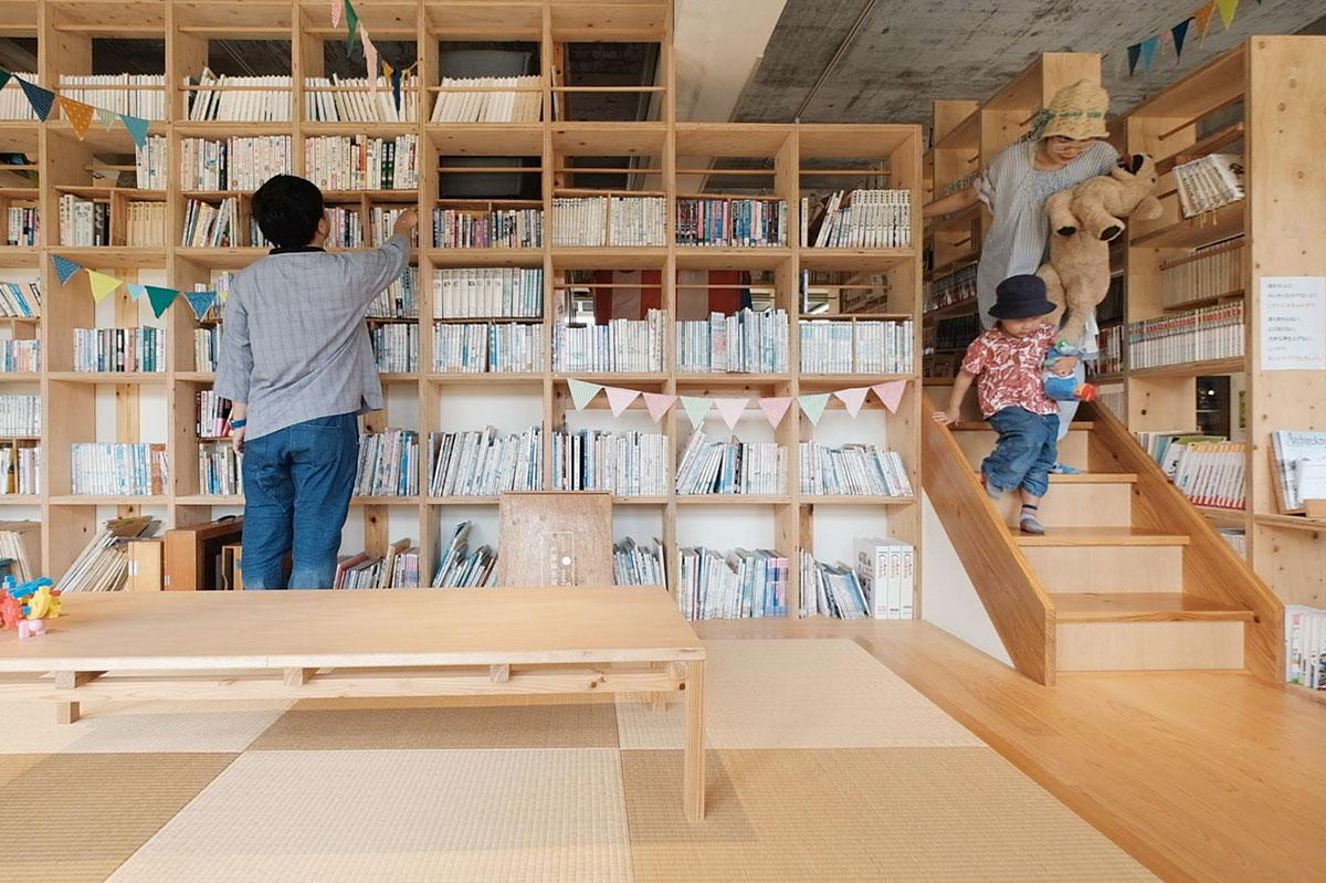 きららの楽校の図書室