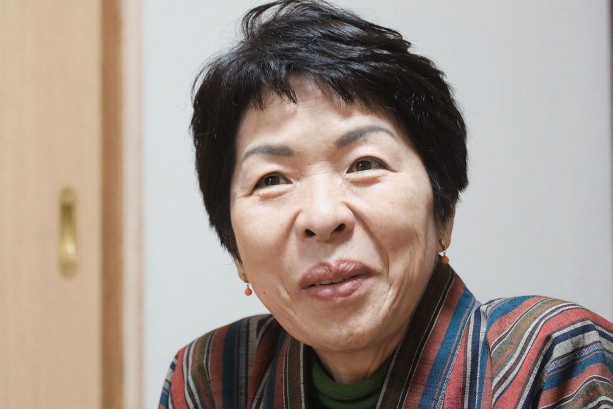 五社神社の思い出を語る和子さん