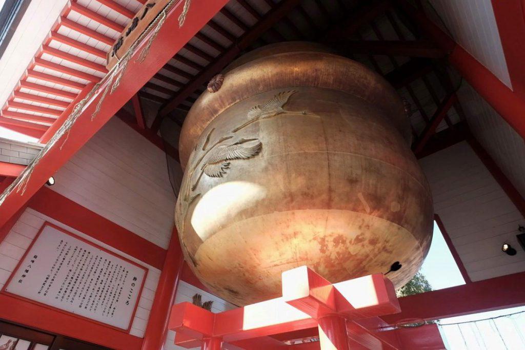 箱崎八幡神社の日本一大きな鈴